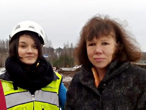 METKAn hallituksen puheenjohtaja Emmi Paajanen ja Metropolian toimitusjohtaja-rehtori Riitta Konkola hetkeä ennen alkupamausta