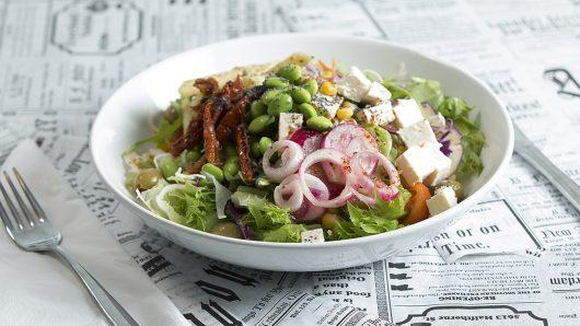 Metka Cafen salaatti